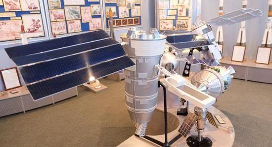 俄罗斯能带WiFi的太阳能无人机首飞成功,续航50小时