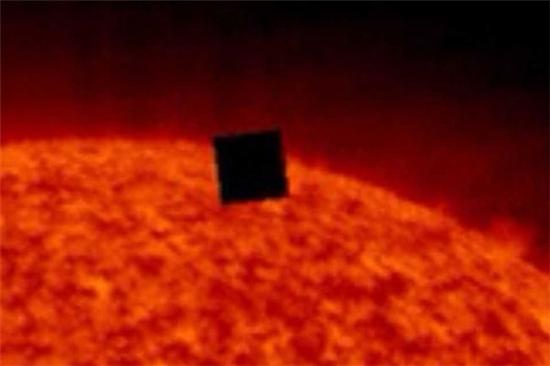 太阳照片现神秘大方块 NASA刻意隐藏?