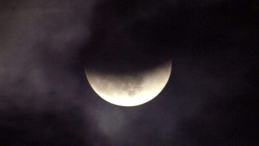 """本周五将出现罕见""""黑月亮""""引发末日论者担忧"""