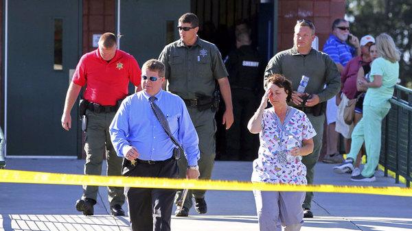美小学枪击案14岁枪手打伤3人 之前枪杀父亲