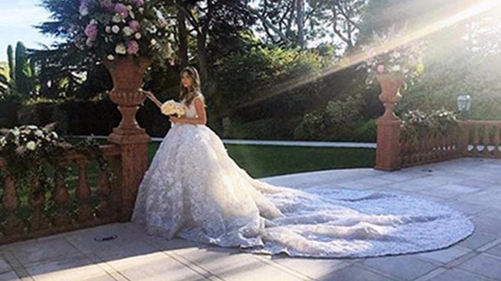 车臣石油大亨21岁闺女闪婚 光婚纱就花了210万!