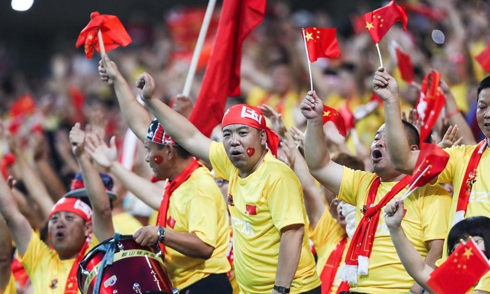 """吓懵韩国人!中国球迷被赞""""最可爱的人"""""""