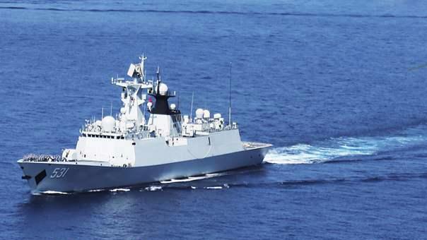 第23批护航编队印度洋海域 开展舰机协同搜救演练