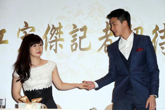 福原爱:我第一次当老婆 支持老公去做任何事情