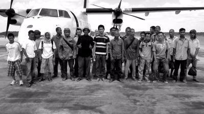遭海盗劫持10名中国船员回国 含1名台湾同胞