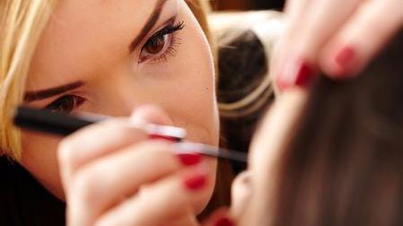 化妆品市场或迎来新一轮的降价 剁手狂潮前的三点解读