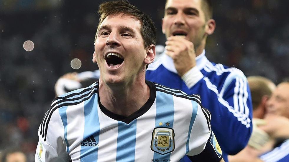 名帅:阿根廷缺梅西就不会踢了 C罗队友不如梅西