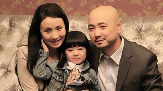 徐峥陶虹为女儿开家长会 感情未受传闻影响