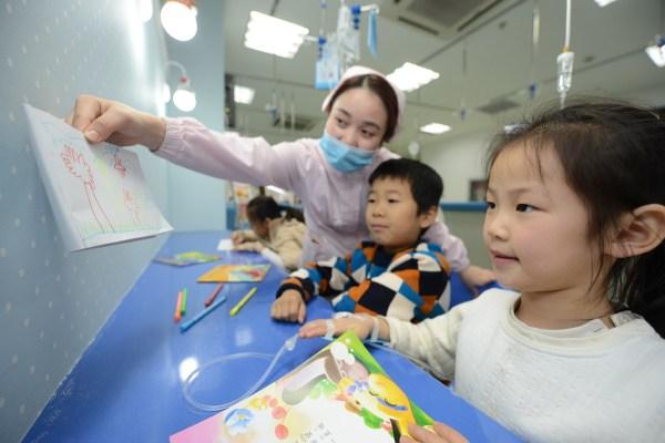 明年起老广看儿科要涨价 医疗费用上浮不超过30%