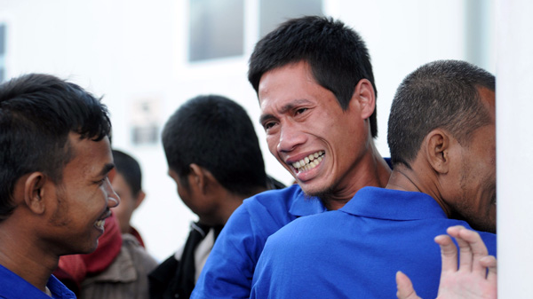 幸存者谈遭索马里海盗劫持经历:靠吃老鼠活下来