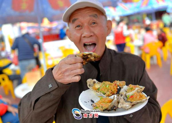 吃货福利!2016广州国际美食节开幕 记者现场探营都有哪些好吃的