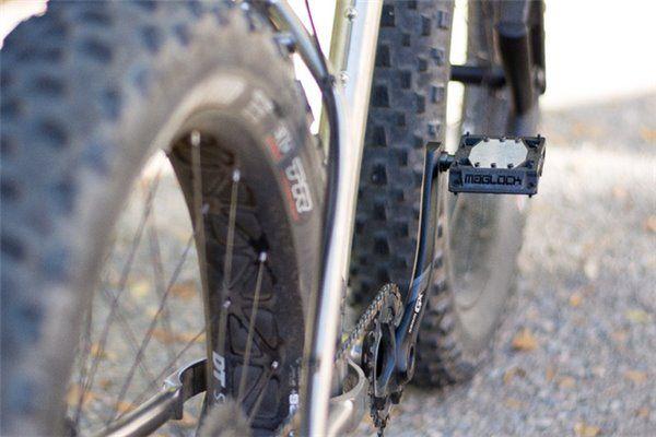 飙单车踏板老踩空?试试踏板和鞋装上磁铁