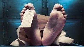 波兰男子饮酒昏厥被诊死亡 停尸间冻醒