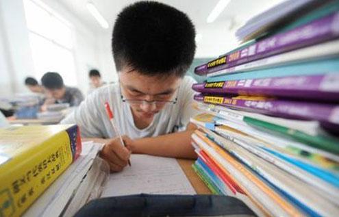 省外少数民族学生在广东参加异地高考 可享受照顾政策