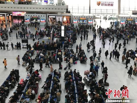 春运今迎节前客流最高峰 日均旅客将破8300万人次