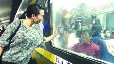 今年你回老家过年吗?广铁首趟春运临客昨晚发出