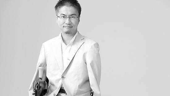 日本无腿作家出轨50人再战政坛 被讽下半身满足