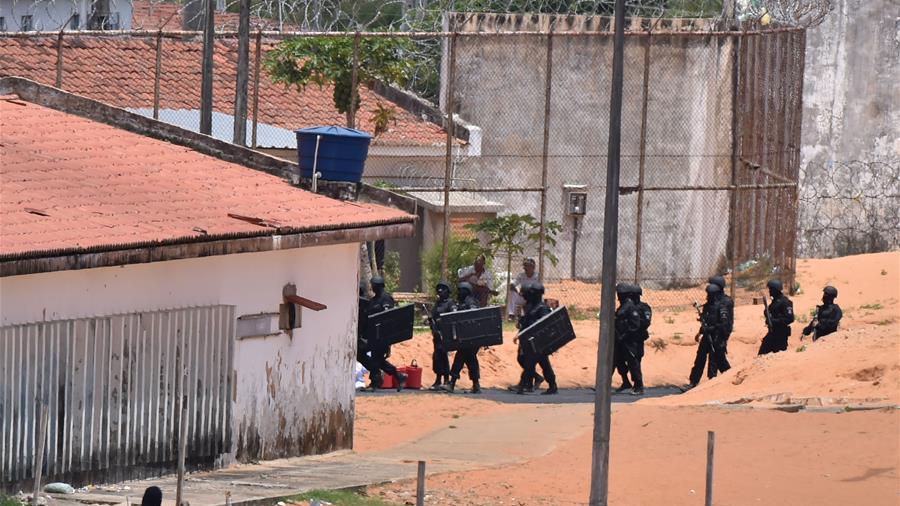 巴西警方平息一监狱暴动 至少10人死亡
