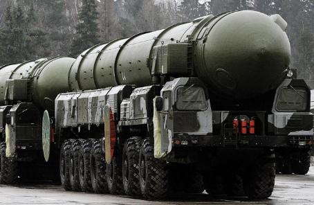 """俄成功发射""""白杨-M""""洲际弹道导弹"""