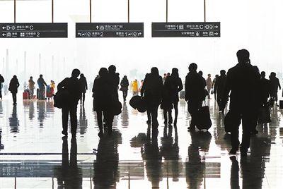 春运民航客流高峰早 广州白云机场单日客流首破20万人次