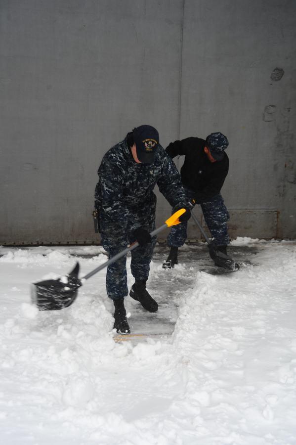 组图:航母上经历一场大雪什么感觉【6】
