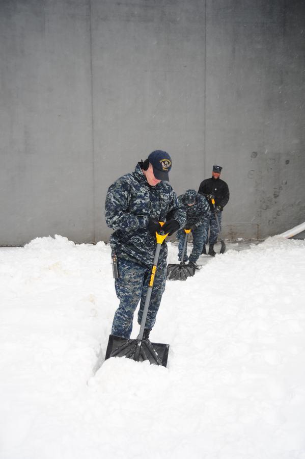 组图:航母上经历一场大雪什么感觉【11】
