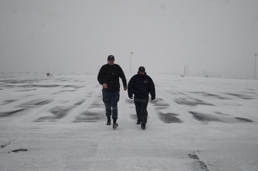 组图:航母上经历一场大雪什么感觉【4】