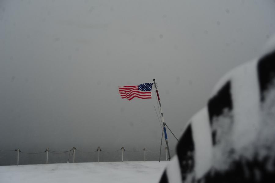 组图:航母上经历一场大雪什么感觉【3】
