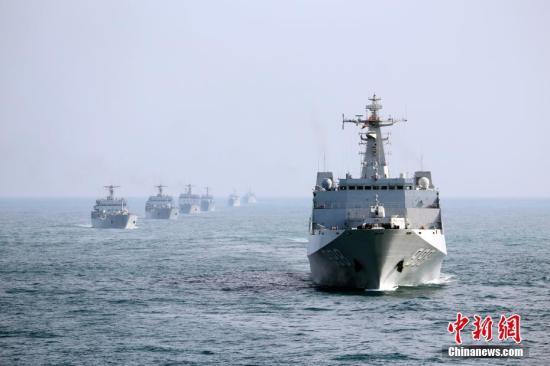 """直击南海舰队现场反击演练:""""战斗""""打响摧毁""""敌舰"""""""
