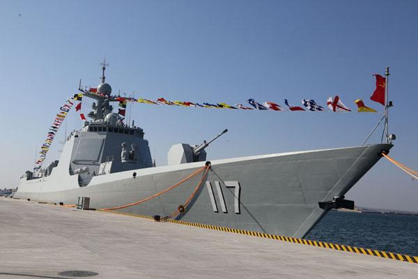 专家:052D舰让中国海军航母编队战力再获提升