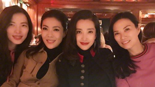 邓文迪李冰冰闺蜜聚会 中国女人在纽约