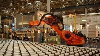 广东今年拟增应用机器人2万台 建4个机器人产业基地