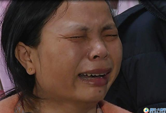 广州医院内妈妈痛哭:宝宝只有一斤