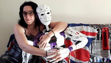 智能伴侣机器人问世 人类将来还须婚恋吗