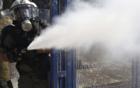 巴黎抗议暴力执法示威引发冲突 警方动用催泪瓦斯