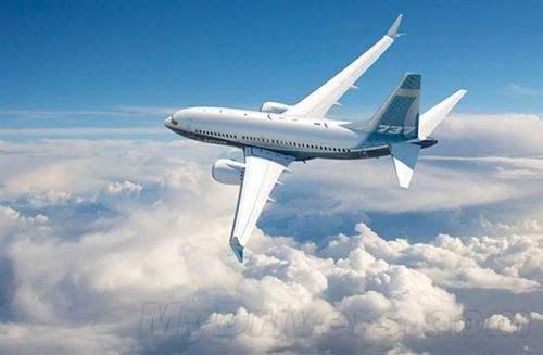 一架载26人客机因引擎故障在澳大利亚紧急降落