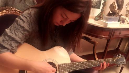 41岁赵薇素颜还是美 她却觉得自己有缺陷