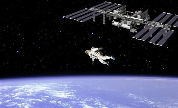 如果宇航员从太空中跳下来:真是惨!