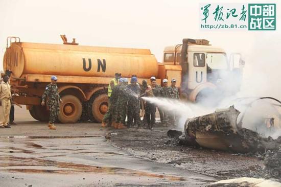 我维和部队紧急救援南苏丹失事客机