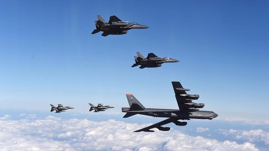 继航母、核潜艇后 美军战略轰炸机现身美韩军演