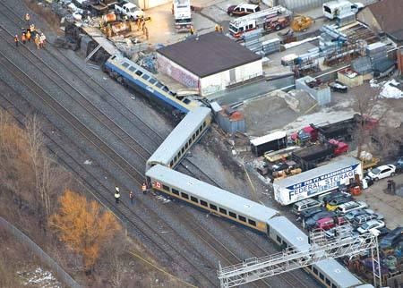 瑞士中部城市卢塞恩发生火车脱轨事故 致7人受伤