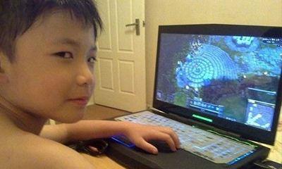 """熊孩子看到老爸手机支付密码后""""豪""""花2万元"""