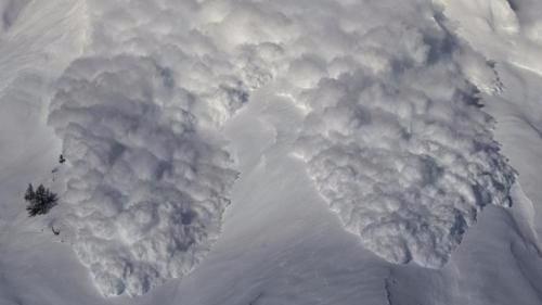 加拿大温哥华附近山区雪崩 5名韩国登山者遇难