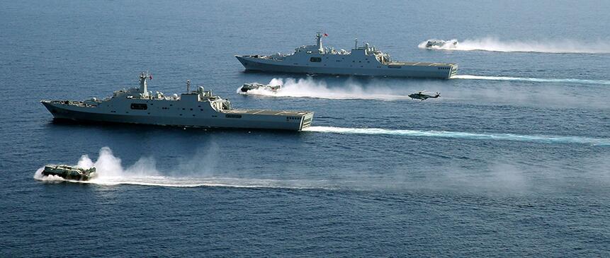 专家:我国新型两栖攻击舰可与航母搭配进行远海作战