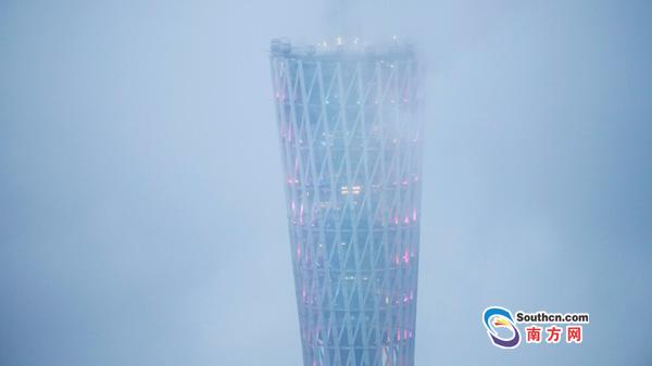 广州:雨中城市变奏曲