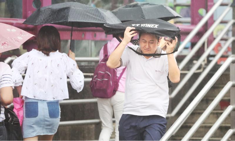说变就变!广州雷雨大风 部分地区下起了冰雹