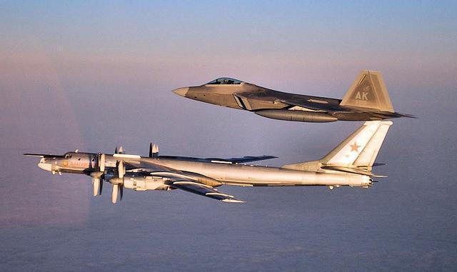 俄轰炸机24小时内两次逼近阿拉斯加 距美领土57公里