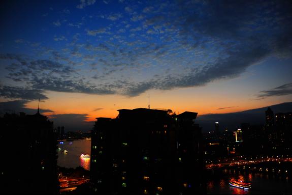 美呆了!广州今日傍晚的天空和云彩