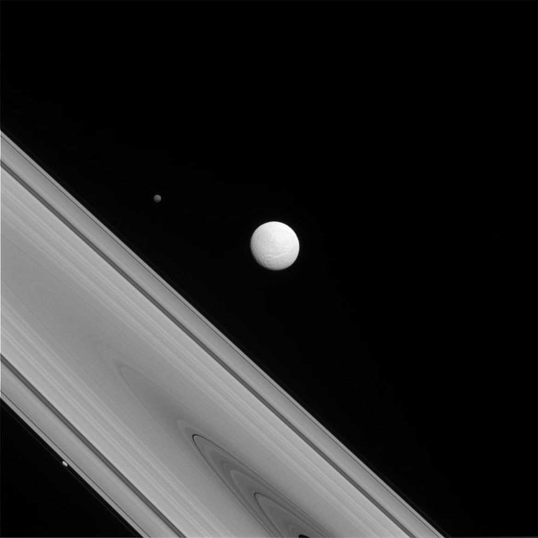 重温卡西尼号拍下的最壮观土星图片