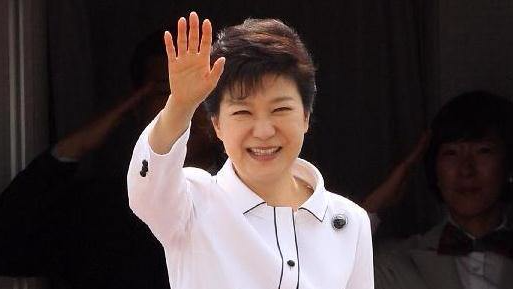 """给朴槿惠打瘦脸针医生获刑 法院称其是""""秘线医生"""""""
